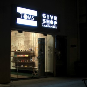TOMS Give Shop Los Angeles ///